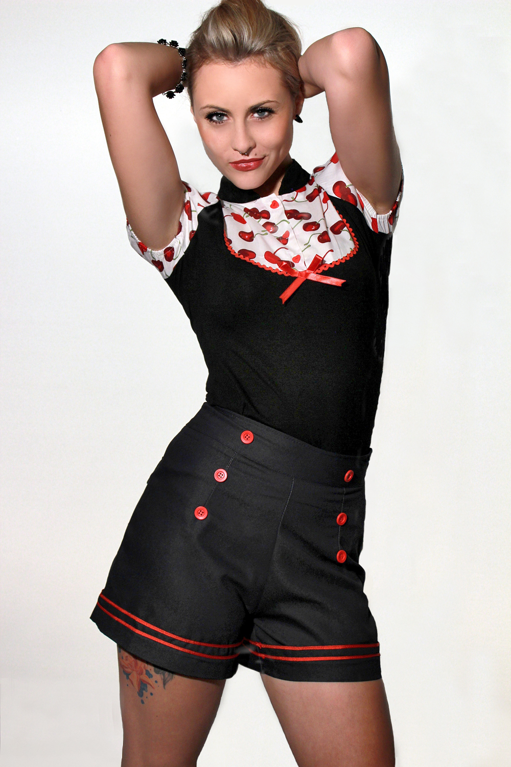 Tolle-Retro-Sailor-PIN-UP-Matrosen-Uniform-Hot-Pants-Hose-Shorts