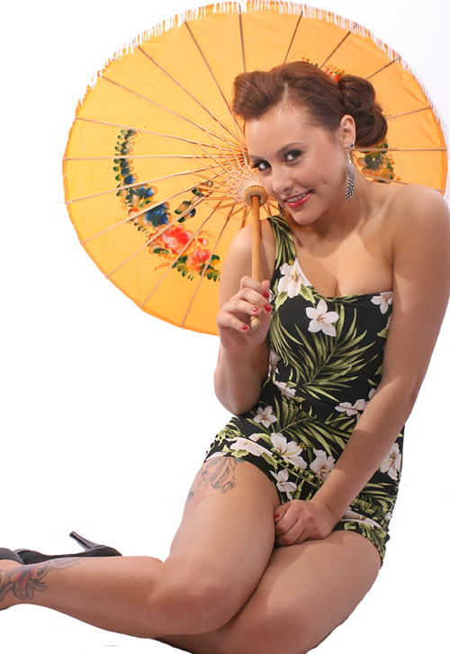 40er/50er pin up HAWAII Hibiskus Blüten retro one shoulder Blumen Badeanzug sw